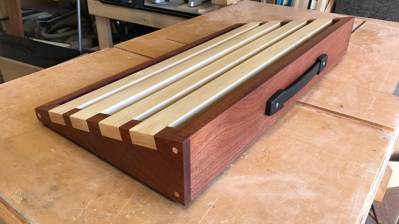 DIY guitar pedalboard from wood